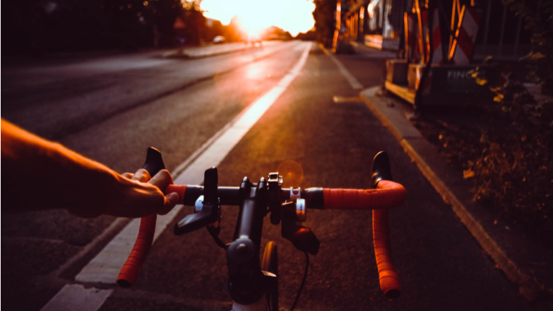 hot weather cycling clothing